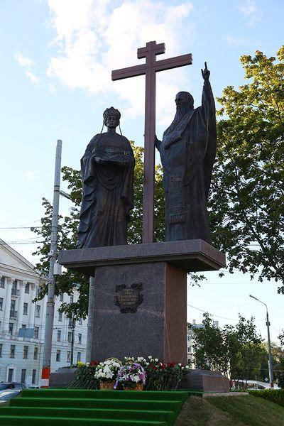 Памятник с ангелом Лукоянов вертикальные памятники Воскресенск