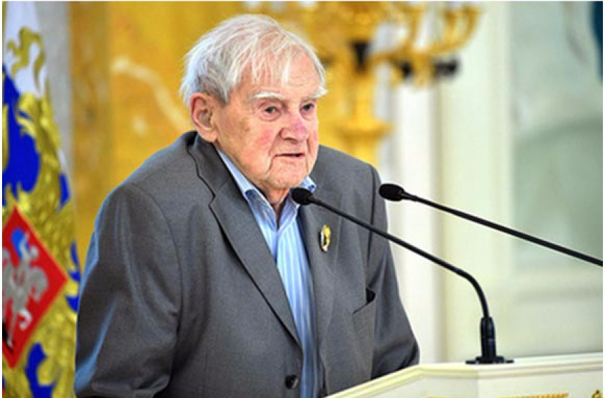 Умер известный российский писатель, поддерживавший Украину