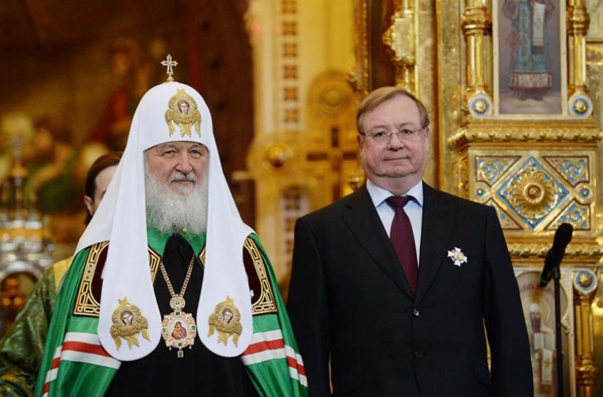 Патриарх Кирилл: Интернет иТВ пропагандируют криминал иразнузданный образ жизни