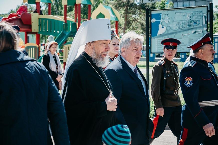 ульяновск празднование троицы фото меч символизирует короля